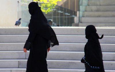 تصویب قانون ممنوعیت ارائه خدمات دولتی و عمومی به زنان نقابدار در کبک