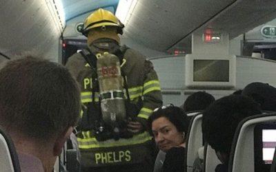 تلفن همراه در هواپیما آتش گرفت