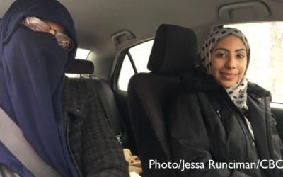 مربی رانندگی نقاب پوش، فقط شاگرد زن میپذیرد