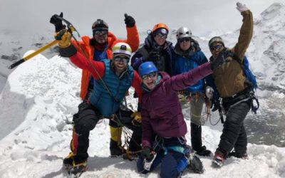کوهنورد ایرانی- کانادایی برای صعود به اِورست آماده میشود