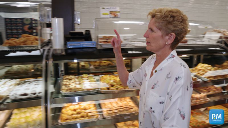 Kathleen-Wynne-visits-iranian-supermarket-photo-PersianMirrorCA