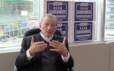 گفتگو با نورم گاردنر، کاندیدای نمایندگی شورای شهر تورنتو در منطقه ویلودیل