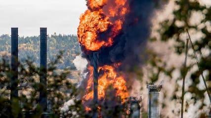 انفجار در بزرگترین پالایشگاه نفت کانادا